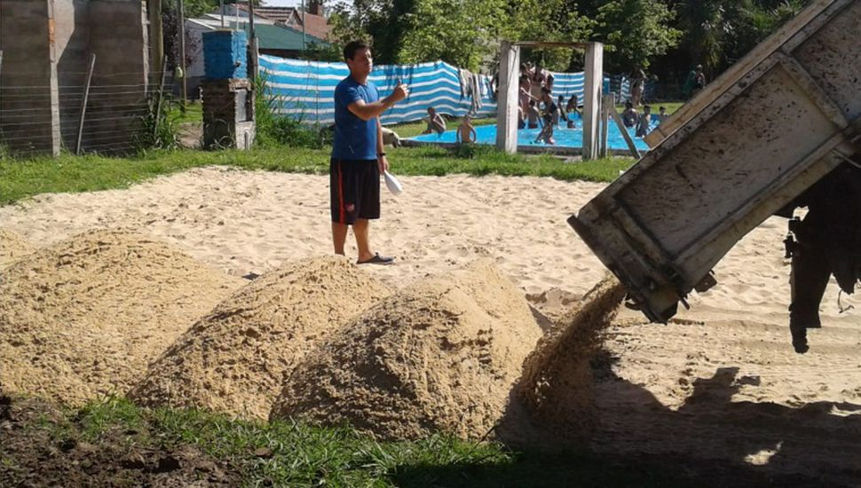 Inauguran la cancha de beach newcom en el Club Belgrano