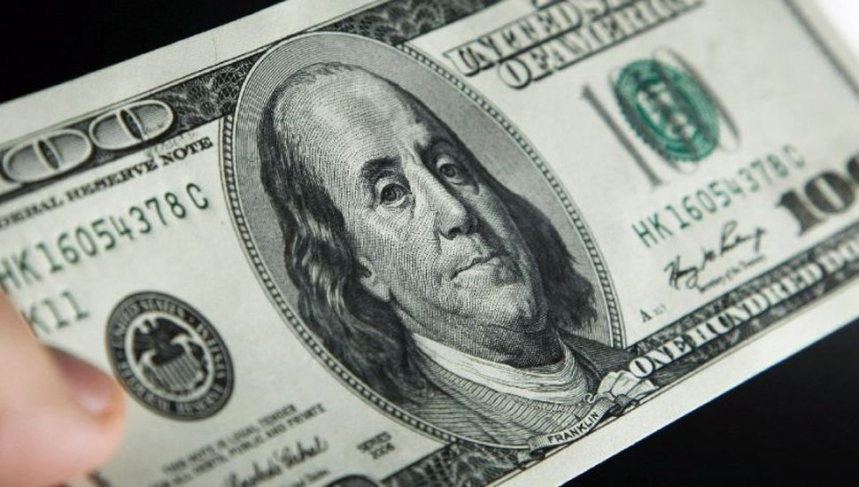Subió 41,5 centavos y el dólar cerró a $25,95