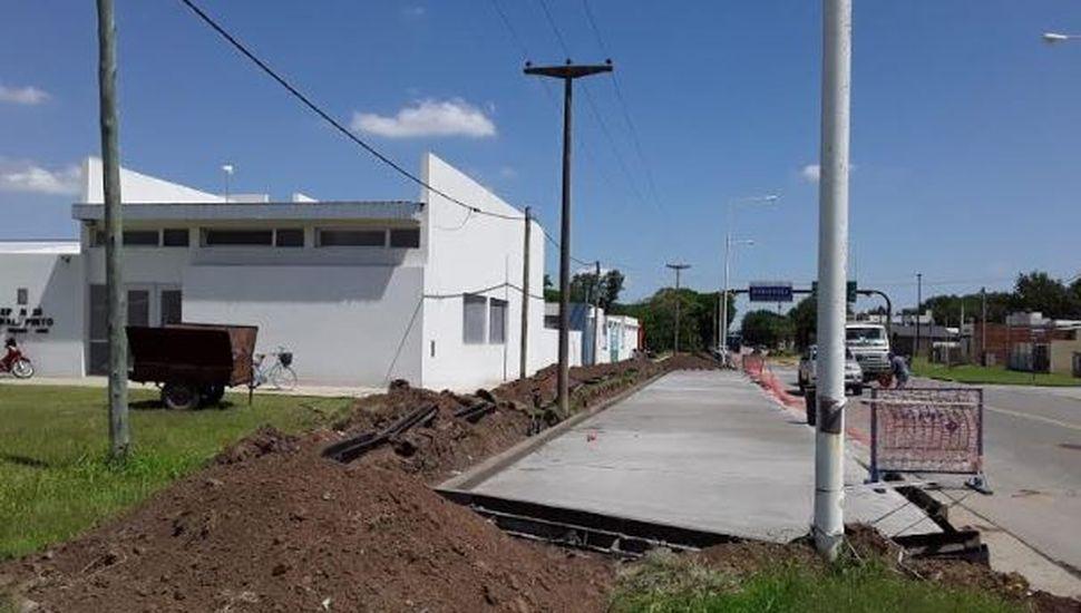 Nueva rampa de estacionamiento vehicular frente a los edificios de la unidad académica de la Escuela Normal Superior