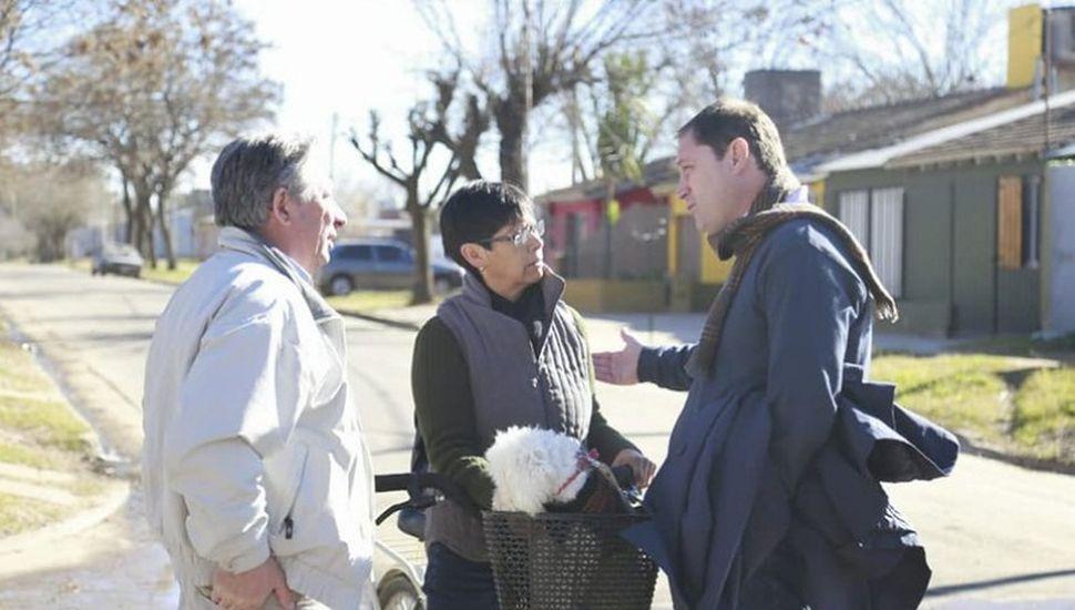 Serenal supervisó obras de pavimentación y visitó dos escuelas