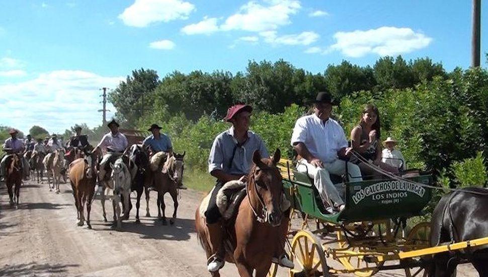Se realizó la tradicional cabalgata de Rojas a Los Indios con la Virgen de Luján