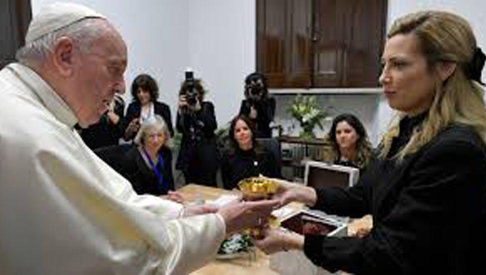 """La primera dama se reunió con el Papa: """"Esperamos que vaya a Argentina"""""""