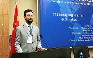 Briolotti en el seminario dictado en Chengdu, Sichuan.