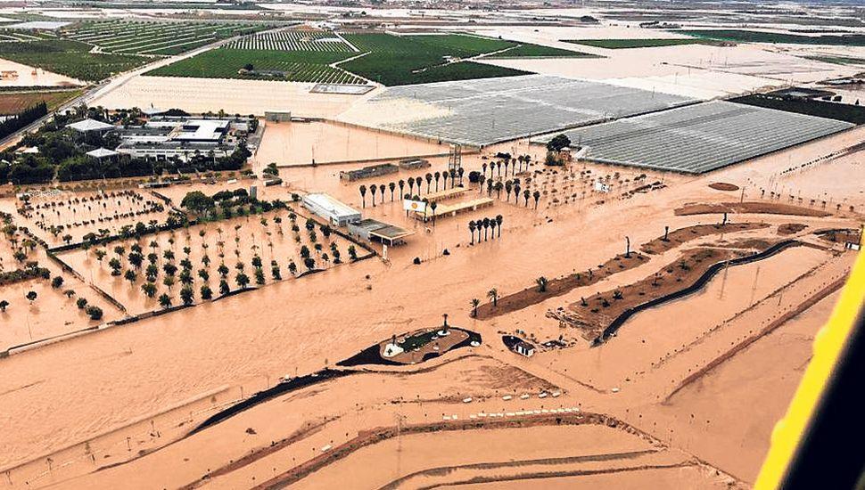 Al menos cinco muertos por  inundaciones