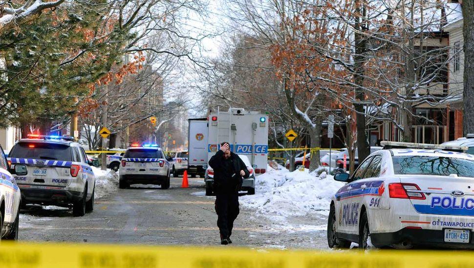 Al menos un muerto y 3 heridos por un tiroteo en Ottawa