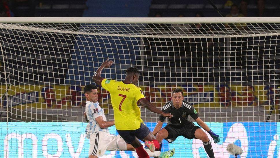 Argentina se durmió en Barranquilla y Colombia le robó un empate 2-2