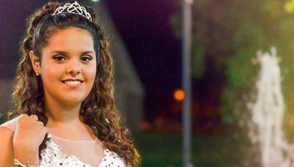 Giuliana Verónica García cumplió sus dorados quince años y fue agasajada