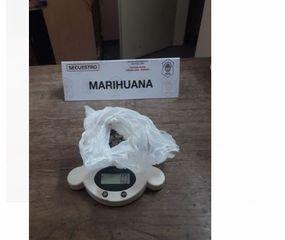 Aprehendieron a un hombre que llevaba marihuana