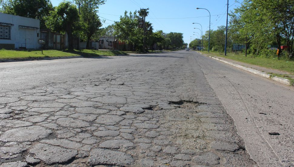 Abren licitación para reasfaltar avenida Fuerte Federación de Rojas