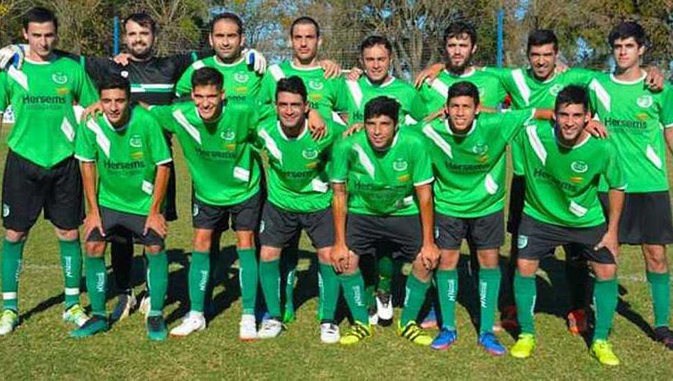 Plantel que presentó Sportivo Sarmiento de Germania en la derrota 2-3 frente al líder e invicto, Matienzo de Alberdi.