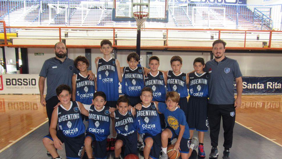Plantel U13 del club Argentino.
