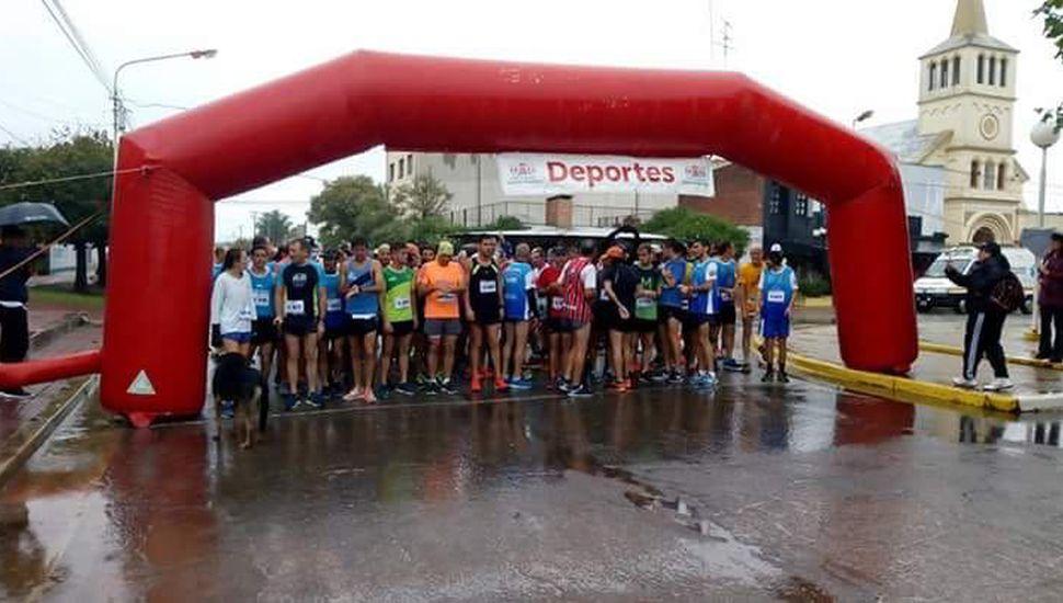 """A pesar de la lluvia, se realizó """"Arribeños corre 2018"""""""