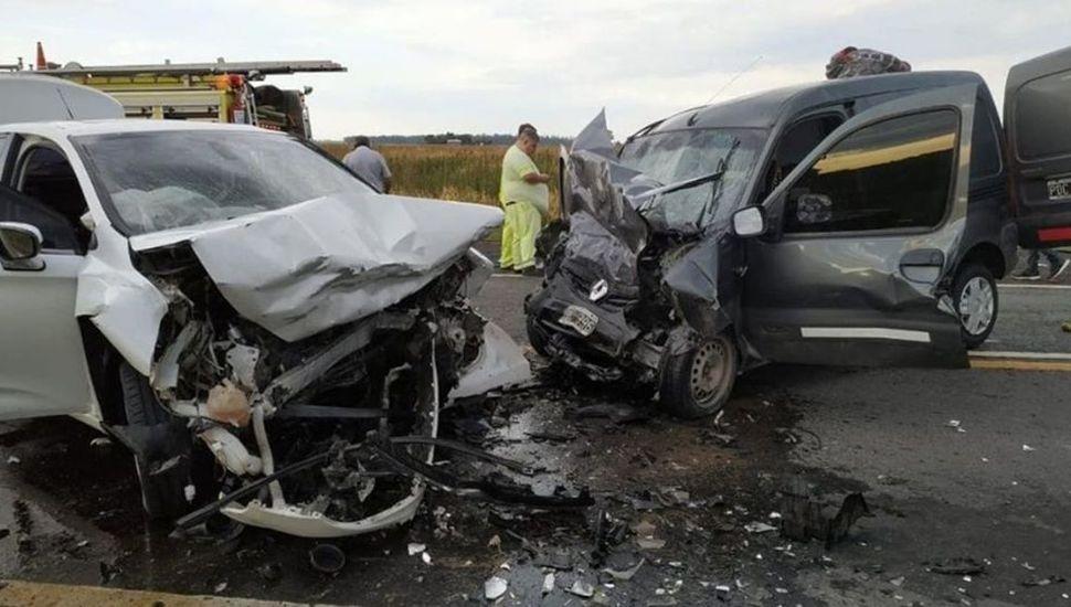 Tres vecinos de Chacabuco perdieron la vida en un accidente vial en Santa Fe