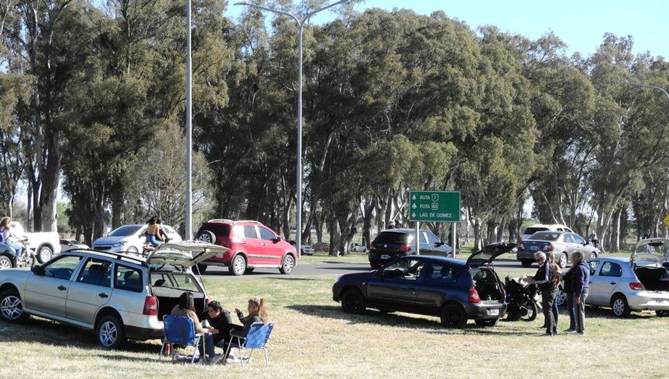 Los vecinos de Junín, ayer, en la zona del Parque Borchex y Circunvalación.