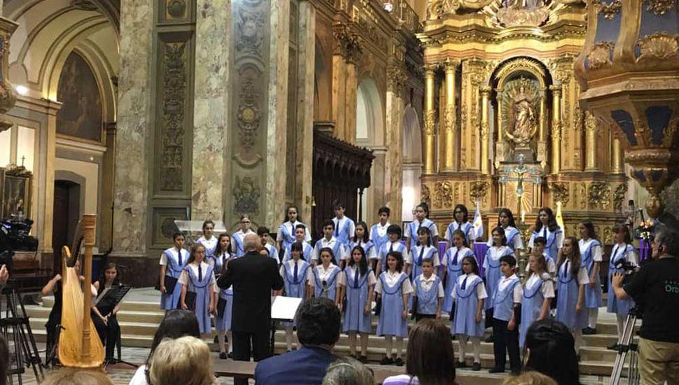 Coro Nacional de Niños de Argentina, en la Catedral Metropolitana.