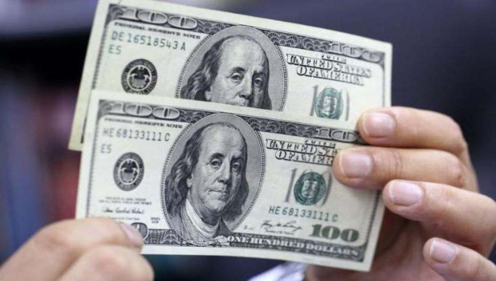 Dólar blue subió a $65  en el feriado bancario