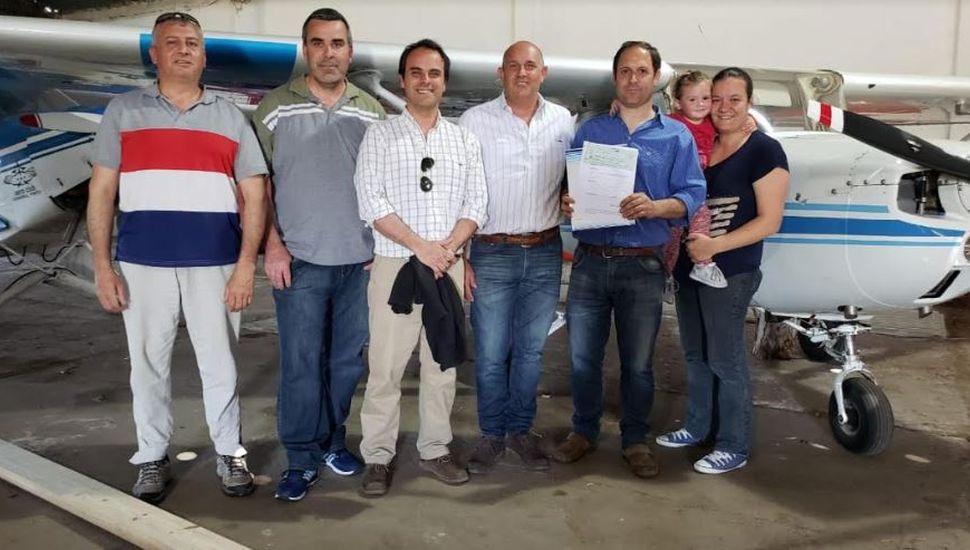 Guerrera y Zavatarelli entregaron un subsidio al aeroclub de General Pinto