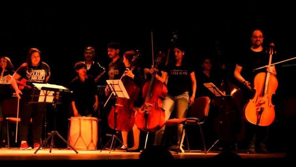 Encuentro instrumental entre la banda municipal y la orquesta escuela de Lincoln