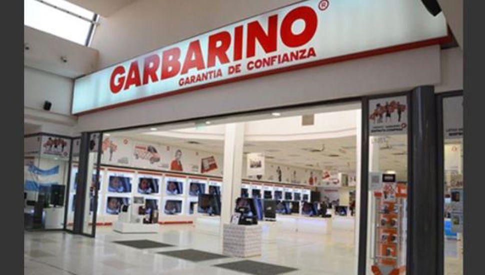 Los trabajadores de Garbarino cobrarán solamente el 50% de sus sueldos
