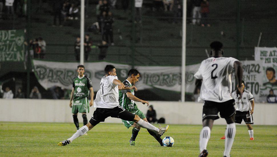 Guillermo Farré, el volante del Verde jugó un buen partido.