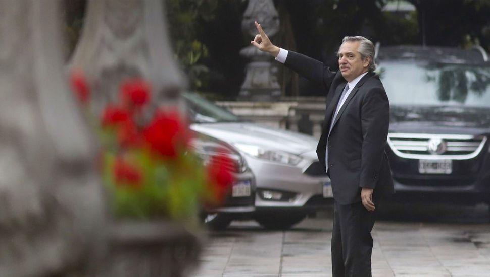 Alberto Fernández, mientras define su gabinete, prepara el Plan Verano para impulsar la reactivación económica a través del consumo popular.