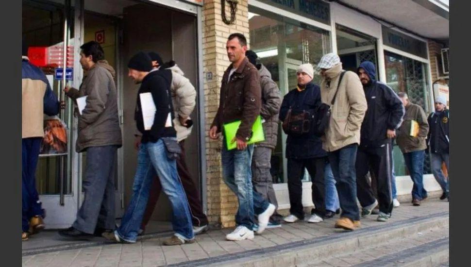 El desempleo trepó al 10,1% y hay alrededor de dos millones de personas sin trabajo