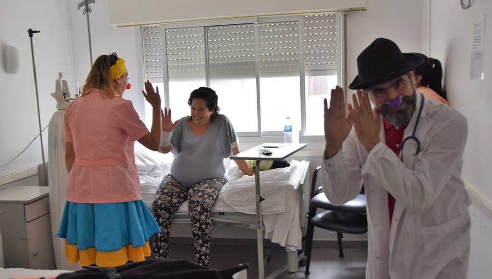 Dos payasos visitaron el hospital de Florentino Ameghino