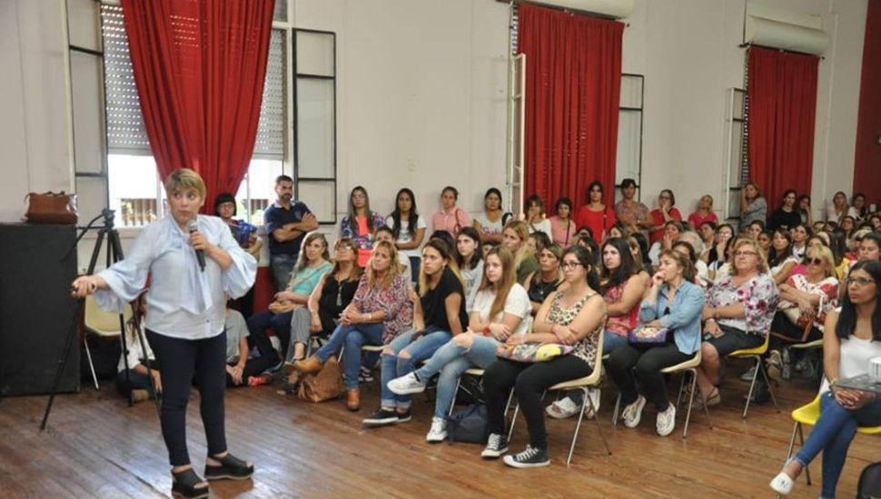 "Silvana Corso llenó el Centro Cultural ""Ernesto Sabato"""