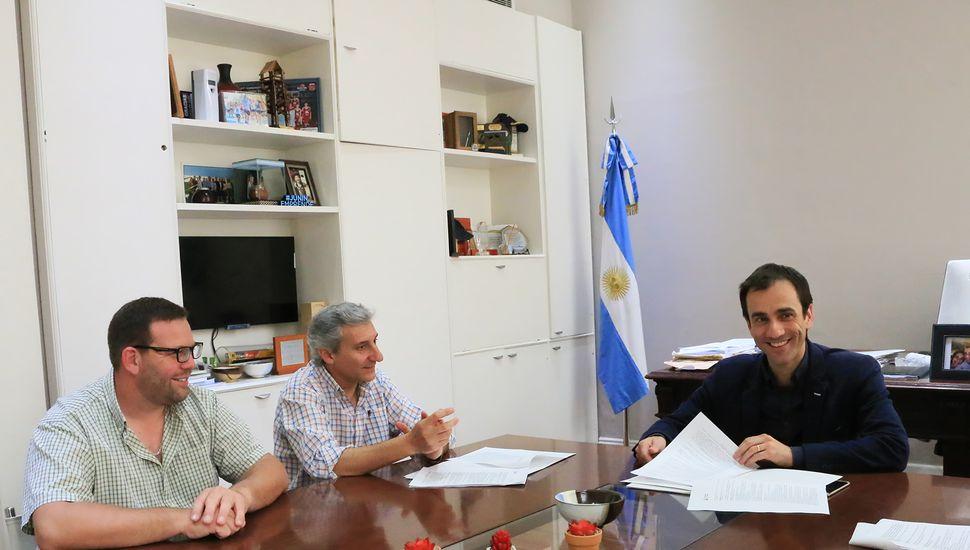 Petrecca se reunió con representantes del Sindicato de Obras Sanitarias.