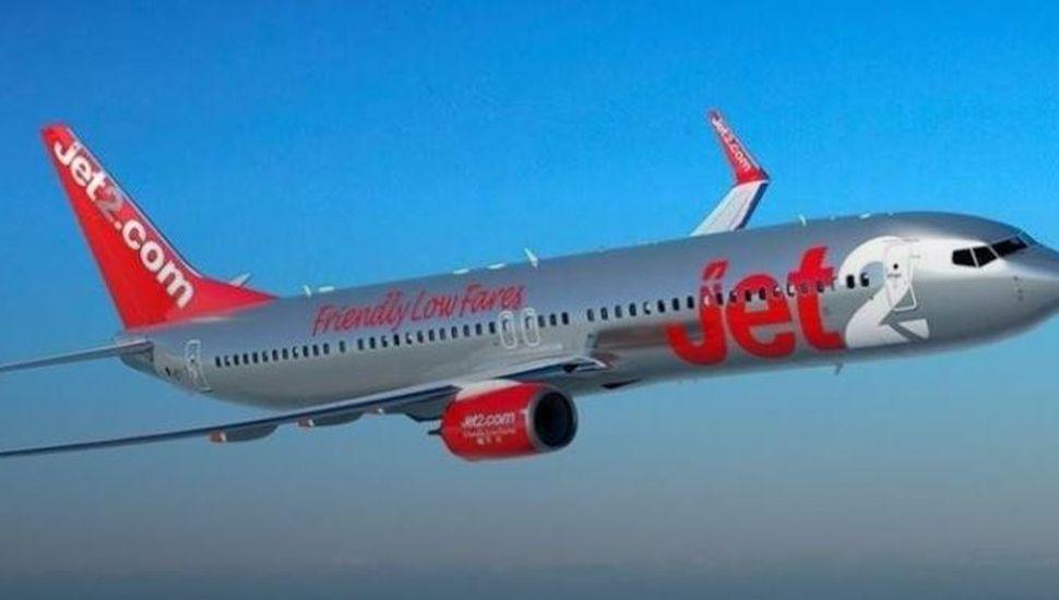 Un piloto se desmayó en pleno vuelo y un pasajero ayudó a aterrizar el avión