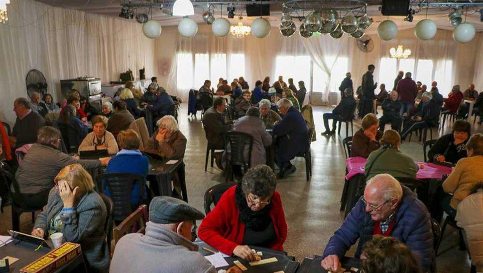 Adultos mayores: mantenerse activos socialmente, sobre todo para su salud