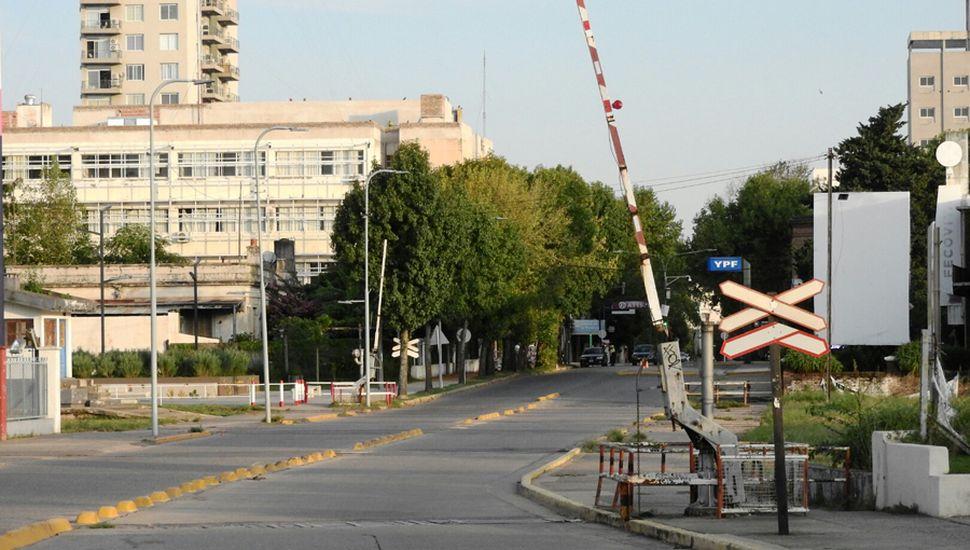 El aislamiento se cumple en la mayoría de los sectores aunque en algunos barrios hay mayor circulación.