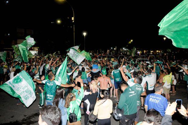 Junín se vistió de verde para celebrar el triunfo de Sarmiento