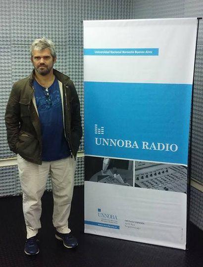 Salvador Roselli es un reconocido guionista y director de cine de Junín que actualmente reside en Buenos Aires.