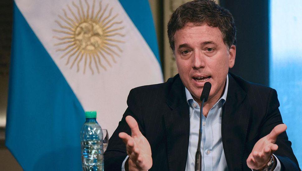 """Para Dujovne, el dólar a 16 pesos es """"adecuado"""" para la economía"""