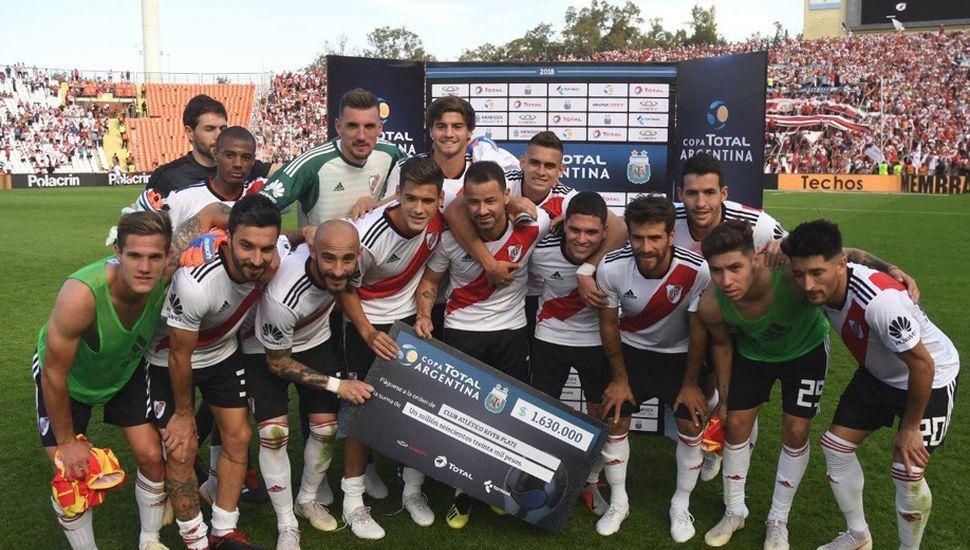 River venció a Sarmiento y es el primer semifinalista