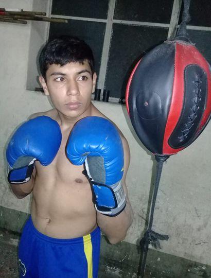 Cristian Morales se prepara para combatir frente a Cristian
