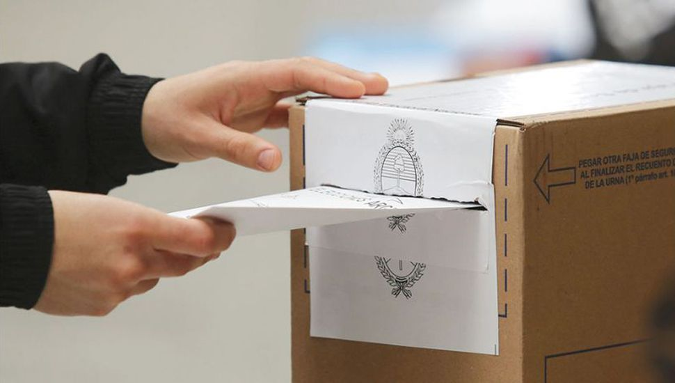 Todas las listas de candidatos de los distritos de la región