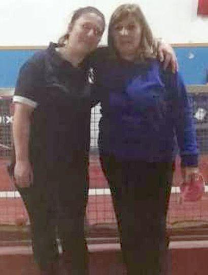 Ivana Barbieri (izquierda) y Liliana Pérez, dos de las integrantes del equipo de la Asociación Juninense de Bochas que competirá en Azul.