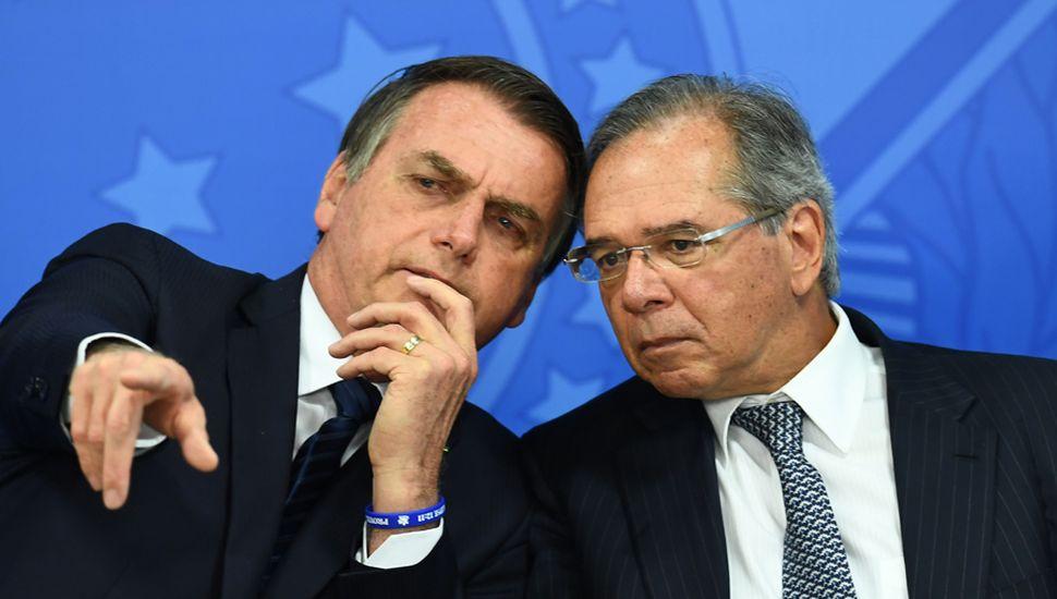 Jair Bolsonario junto a Paulo Guedes, ministro de economía brasilero.