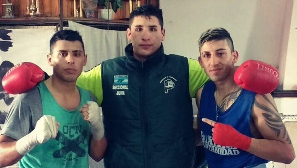 """""""Tito"""" Abdallah (derecha), el peso pesado Lucas García y Juan I. Burgos."""