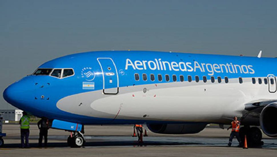 Aerolíneas transportó un 12% menos de pasajeros en noviembre