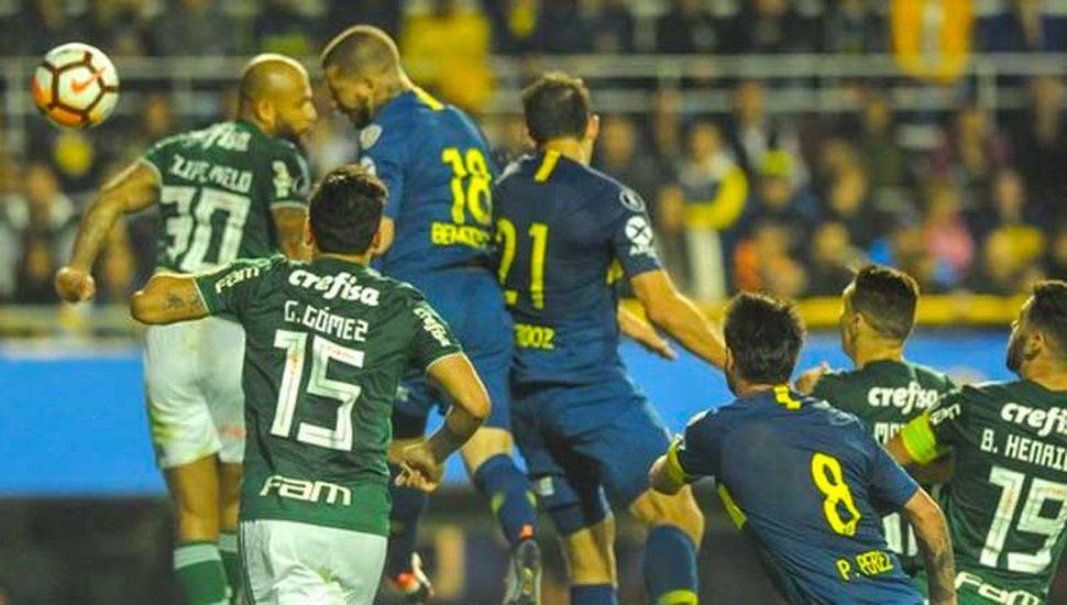 Boca tenía en el banco los goles de Benedetto y venció 2 a 0 a Palmeiras