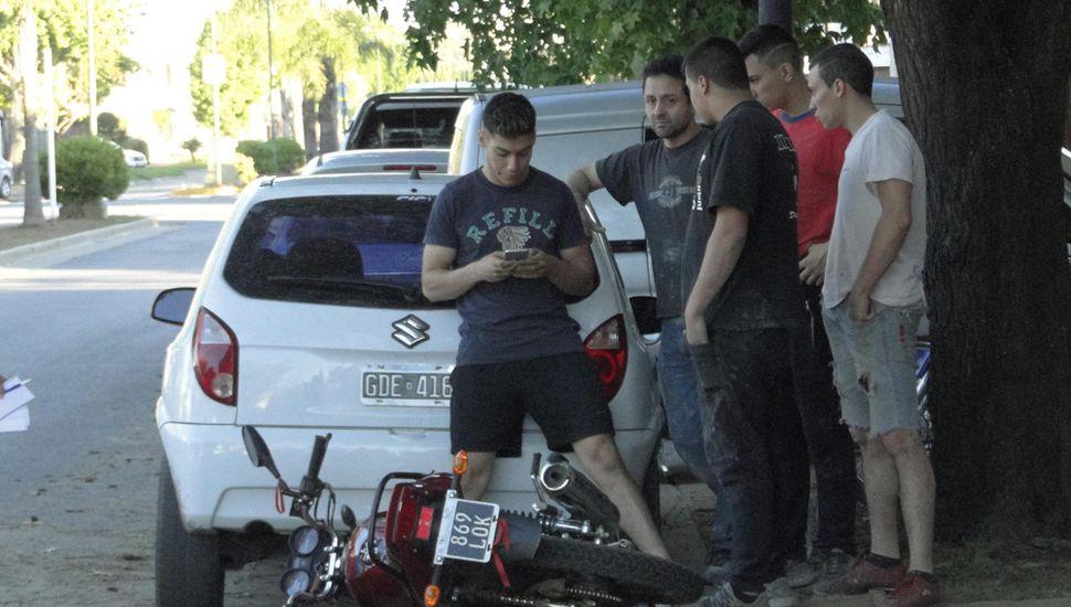 El motociclista fue trasladado al hospital.