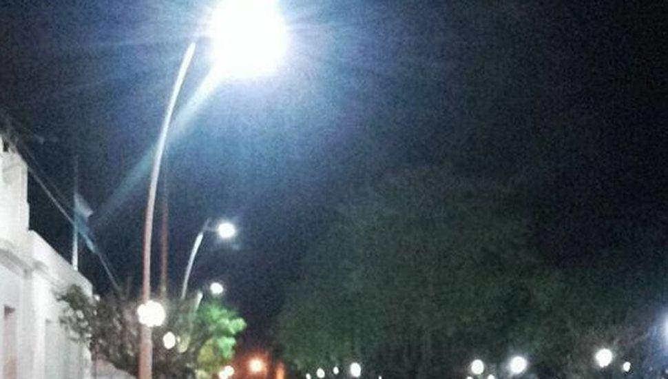 Avanzan con la obra de iluminación LED en Alem