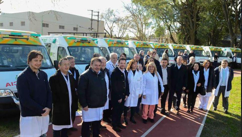 La Provincia le entregó una ambulancia al Piñeyro y a otros 19 hospitales públicos bonaerenses