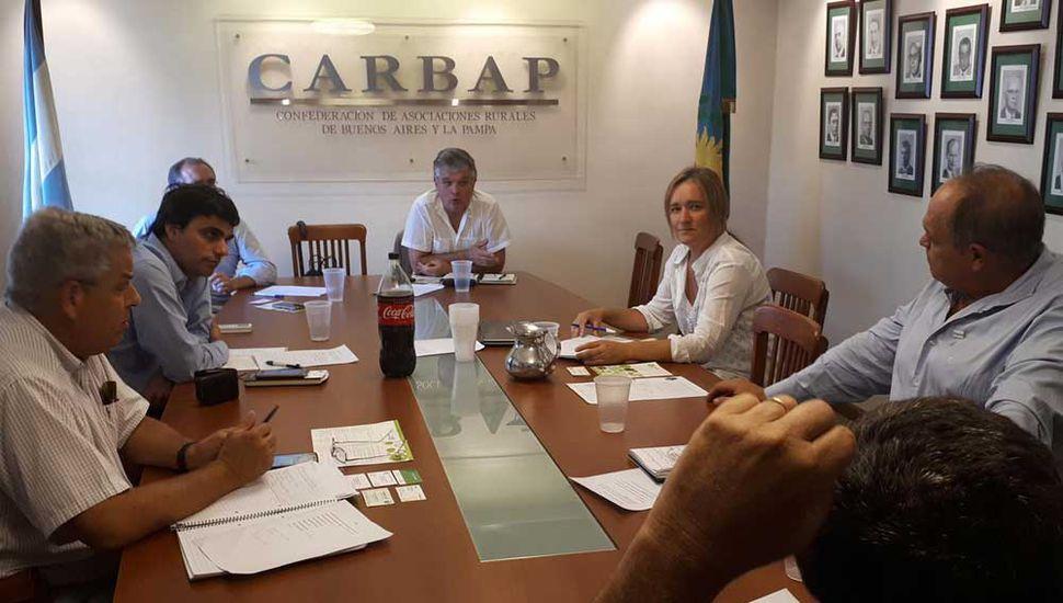 Dirigentes ruralistas reunidos en Carbap.
