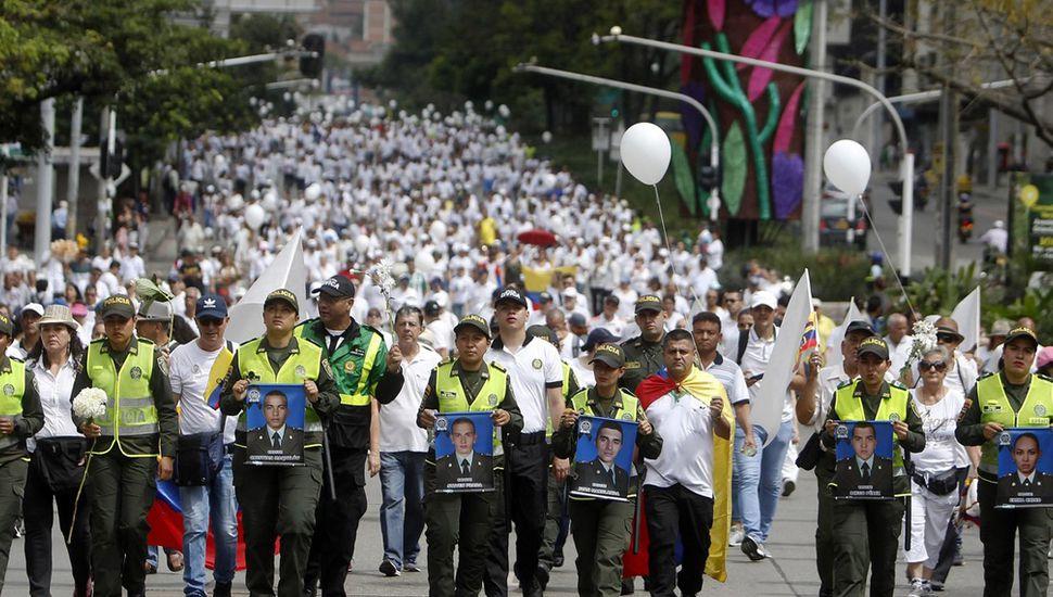 Marcha multitudinaria: los colombianos coparon las calles contra el terrorismo