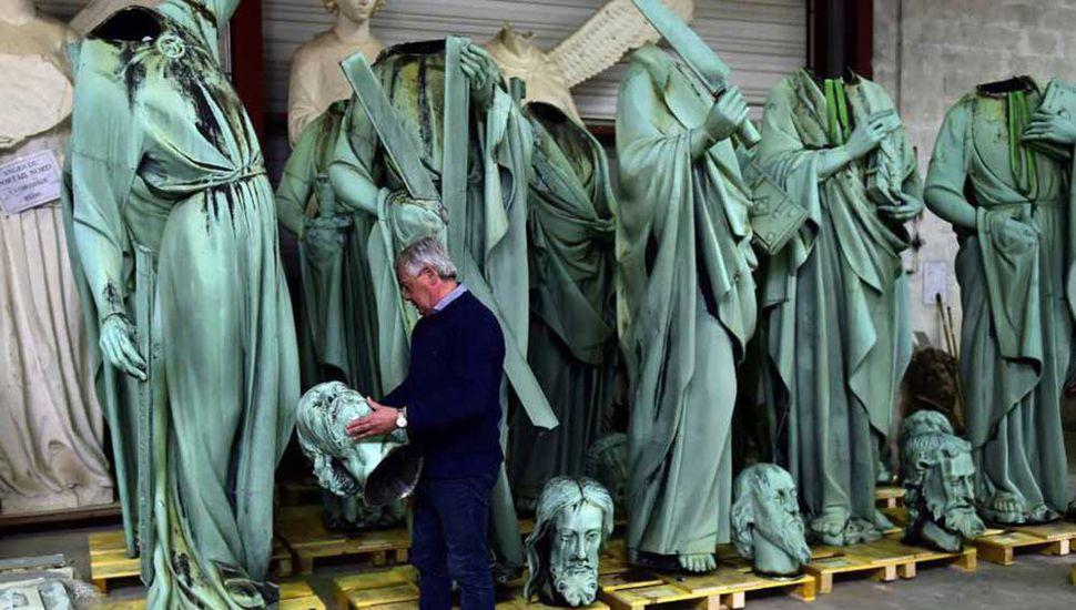 Muchas obras de Notre Dame fueron  salvadas gracias a una cadena humana