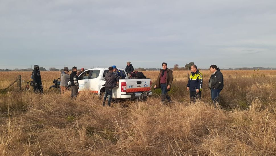Rompieron la cuarentena para correr en  motos en un campo: más de 20 detenidos